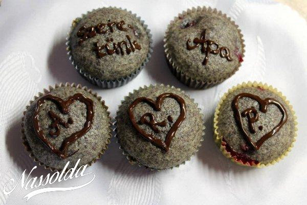 Meggyes-mákos muffinok